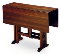 AN AMERICAN ARTS AND CRAFTS OAK GATELEG TABLE,