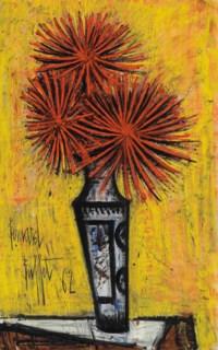 Bouquet de dahlias dans un vase