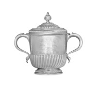 A LARGE WILLIAM III SILVER TWO-HANDLED CUP AND COVER