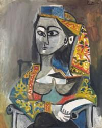 Femme au costume turc dans un fauteuil