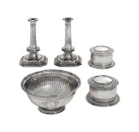 A WILLIAM III AND QUEEN ANNE SILVER PART TOILET-SERVICE