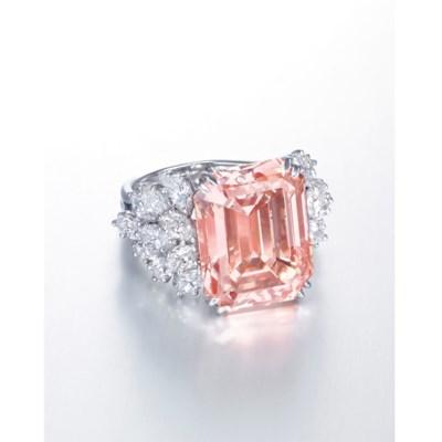 A RARE COLOURED DIAMOND AND DI