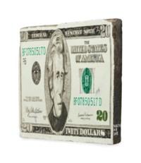 US$20