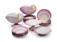 A WEDGWOOD 'WREATHED SHELL' PART DESSERT SERVICE