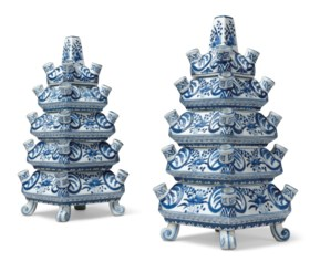 A PAIR OF DUTCH DELFT BLUE AND WHITE CERAMIC TULIPIERES